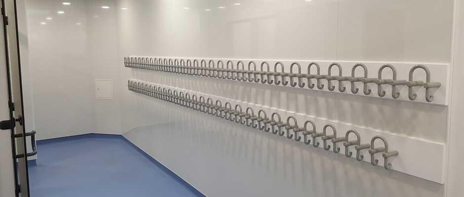 Toilet peg railings